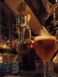 レフ・ブロンド樽生が飲めるのは 東北では珍しい!!色はAMBER。