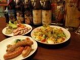 ドイツ仕込みのソーセージ10種 一味違うアンバーロンドのフード