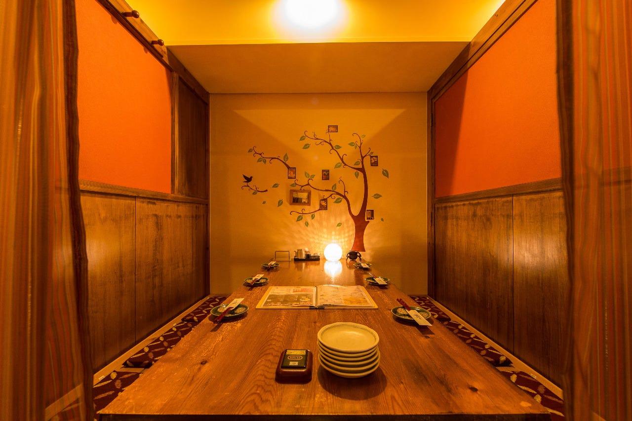 テーブル席・完全個室(壁・扉あり)・28名様まで