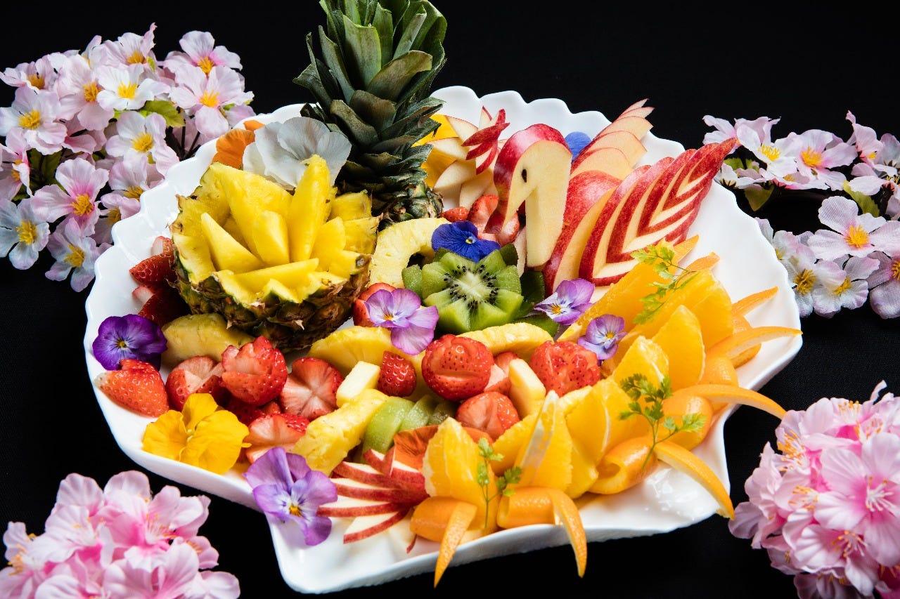 お祝いの席を彩るフルーツ盛合せ ※前日までの要予約制