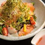 海の幸たっぷり海鮮サラダ