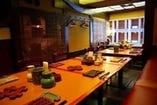 会食・飲み会・ご家族の御食事などにはこちらのテーブル席で