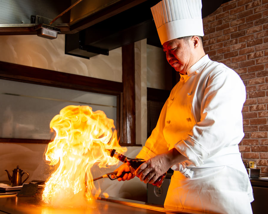 鉄板焼ステーキ 井むら灯