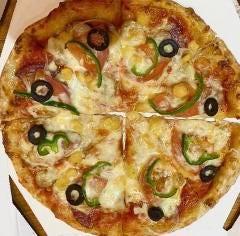 8種のミックスピザ