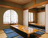店名にもなっている「茶屋」らしい落ち着く個室。