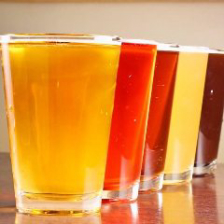 日本各地のクラフトビールを樽生で!