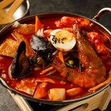 韓国屋台人気の定番鍋◎