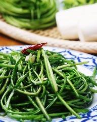 水蓮菜の塩炒め