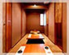4~34名様まで、大小様々な個室