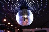 煌びやかなミラーボール♪ パーティーを盛り上げます!