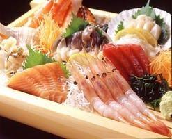 北海道の味覚が満載! 特撰刺身盛合せ 3,300円(税込)