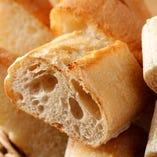 おかわり自由のパン
