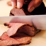 ローストビーフは黒毛和牛を使用しています
