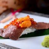 「霜降和牛 炙り肉寿司~うにいくらのせ~」