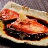 必ず食べたい・・・当店オススメ「金目鯛の煮付け」