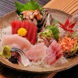 伊豆近海の新鮮なお魚を「囲炉茶屋」にてご堪能ください。