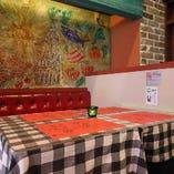 ボックス席のようなテーブル席(~20名様)
