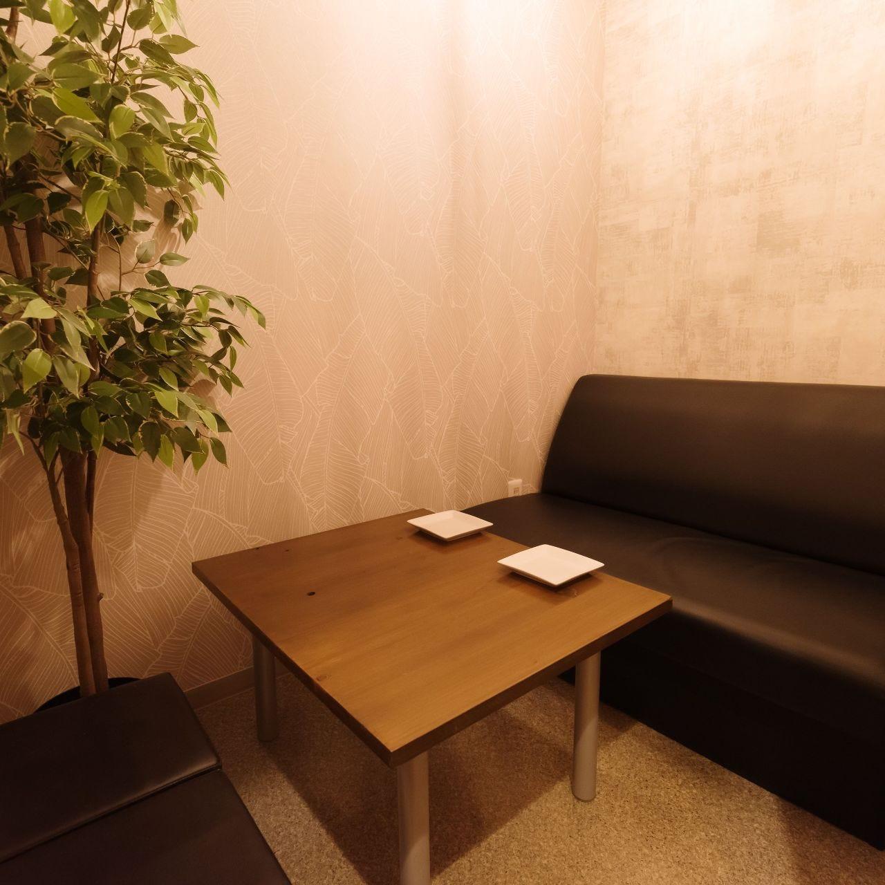 プライベートシーンで活躍する個室。人数に合わせてお席をご用意