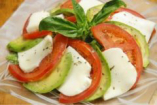 アボカドとトマトのカプレーゼ