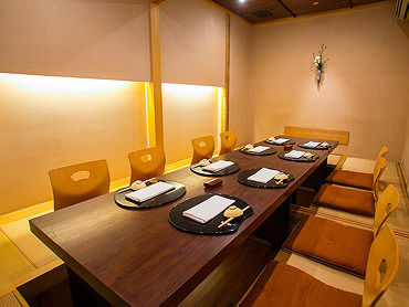 日本料理 百屋  店内の画像