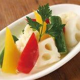 野菜の自家製ピクルス