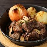 牛肉のガーリックステーキ