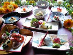 夜はムードアップで旬の食材を店主が京都にちなんでアレンジ!!