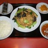 玉子とキクラゲの炒め定食