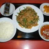 豚肉とピーマンの炒め定食