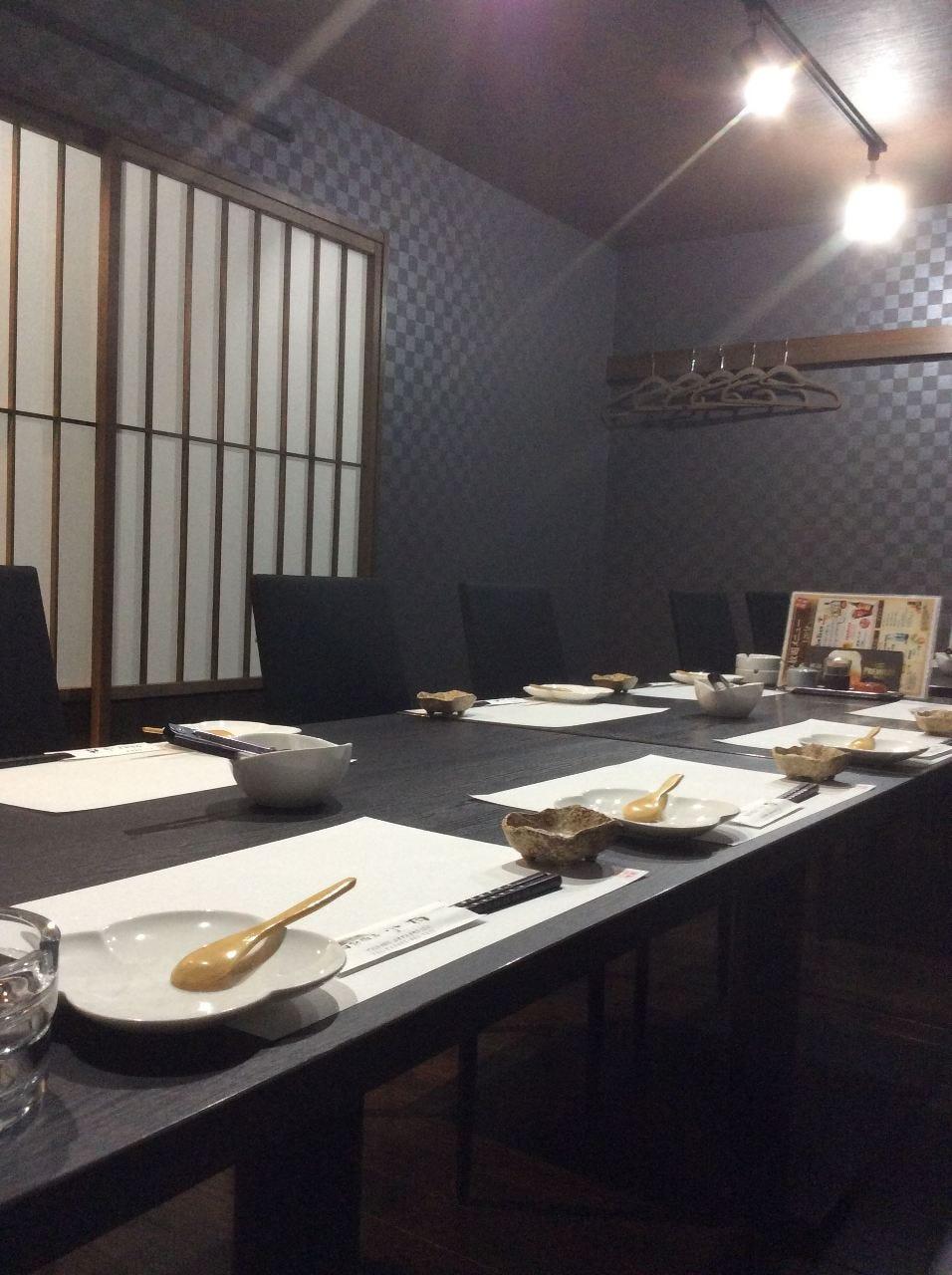 会食や宴会に最適なテーブル席