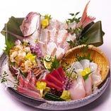 【鮮魚】 北海道や高知など旬の魚を様々な調理方法でご提供