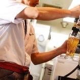 お仕事帰りの喉を潤す一杯!いつでもキンと冷えたビールをご提供