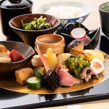 京都で修行を積んだ大将の「京料理」