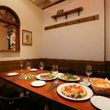 テーブル席半個室(4~10名様)