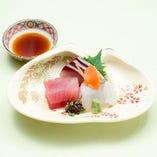 相模湾でとれたての魚介類。素材の味を生かしご提供します。