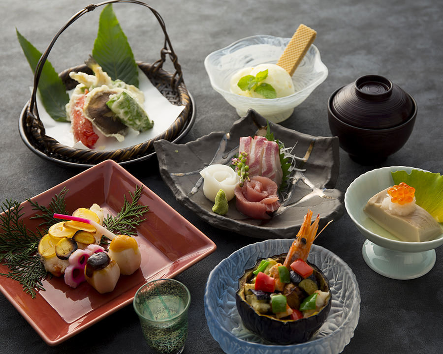 コース料理が3,000円~!