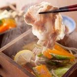 新登場!期間限定「せいろ蒸し」 六白黒豚と新鮮野菜が極旨です