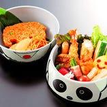 お子様料理「遊~ゆう~」 チキンライス(写真) 又は、俵おにぎり(白飯)をお選びいただけます。