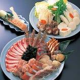 """""""蟹入り""""ちゃんこ鍋会席 横綱プラン 旬の海鮮・野菜・つみれに、豪華な蟹が入ったこれぞ「横綱」の風格にふさわしい鍋会席です。"""