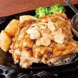 チキンガーリックステーキ(サラダバー付)