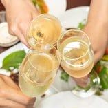 ワインによく合う料理を取り揃えています