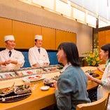 本格的な寿司が楽しめるカウンター席