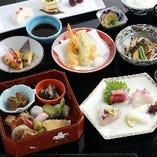 料理は旬の素材重視。和食の魅力を懐石仕立てで