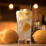 料理に合う◎無農薬国産レモン使用自慢のレモンサワー