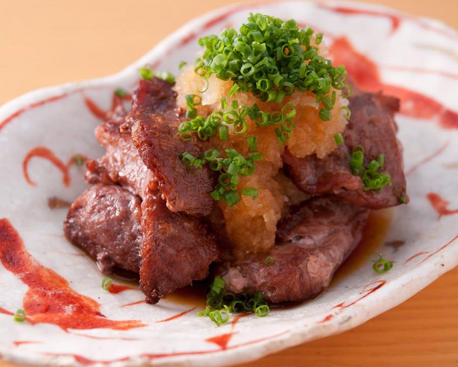 売り切れ御免の鮪ほほ肉焼き。お肉の様な肉感と奥深さが絶品