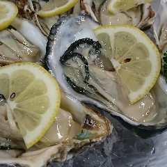 毎日新鮮な殻付きの生牡蠣を『宮城県・南三陸や南松島』より取り寄せしてます