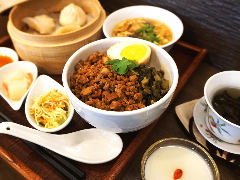 魯肉飯(ルーローファン)ランチセット