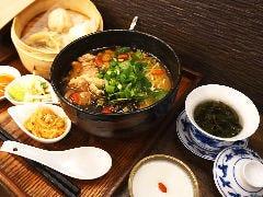 麻油鶏麺(マーヨウジーメン)ランチセット