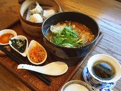 海老ワンタン麺ランチセット