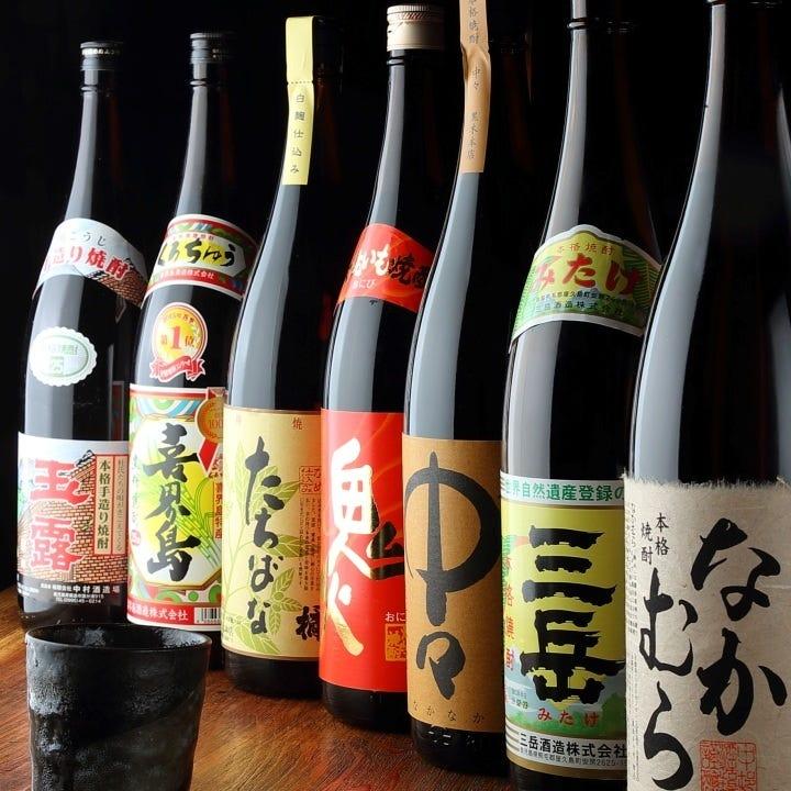 こだわり仕入れの焼酎各種に季節酒も揃う日本酒メニューも自慢